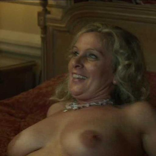 Mature wife nude twitter