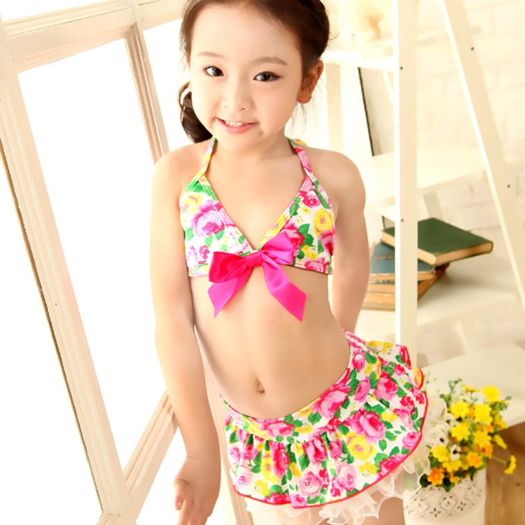 Asian girls in bathing suits