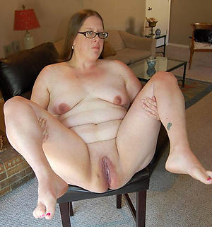 Mature chubby glasses pussy
