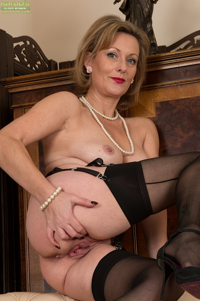 Sexy mature women pussies